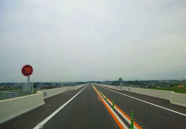 せっかく開通した高速道路がこんな感じ(↓)だったら如何思いますか? やはり「だったら開通させるな!!」と思いますか?