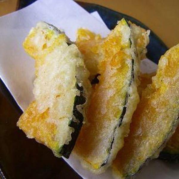 天ぷらです。 薄く切って揚げたカボチャの天ぷらを食べて 「甘いサツマイモだねぇ〜」 って言う人は 味音痴ですか? ・何かを食べて何かと間違えた事が ありましたら教えて下さい。 私はたこ焼きにイカが入ってたのに 普通のたこ(焼き)だと思って食べた事があります…