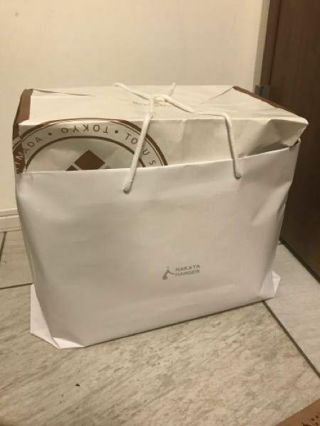 ゆうゆうメルカリ便のゆうパック100サイズで送りたいのですがこのような梱包でも大丈夫でしょうか? 大きさ、重さはクリアしてますが箱が手元になく紙袋を噛み合わせて包んでいます。中のものはすべてプチプチしてあります。よろしくお願いします。