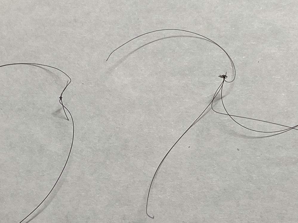 自分癖毛で前髪にこうゆうのができてしまいます。 こうゆうのができてしまう原因・理由・対処法を教えてください