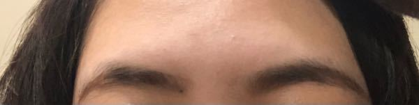 この眉毛おかしくないですか? 自分では濃い気が来てしまうんですが。。。