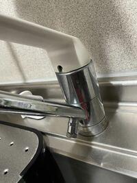 この蛇口に食洗機を取り付けたいと思っています。 分岐水栓は必要になるのでしょうか? いろいろ調べたのですが、なかなか手こずっているため教えて欲しいです。