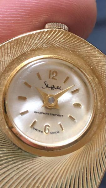 この時計のメーカー分かる方いますか?