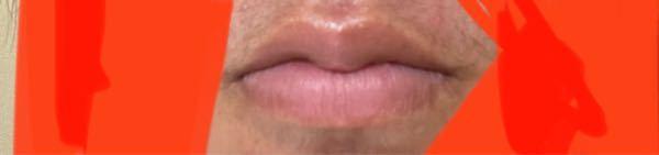 この唇がコンプレックスなんですけど化粧でどう誤魔化せば良いでしょうか?