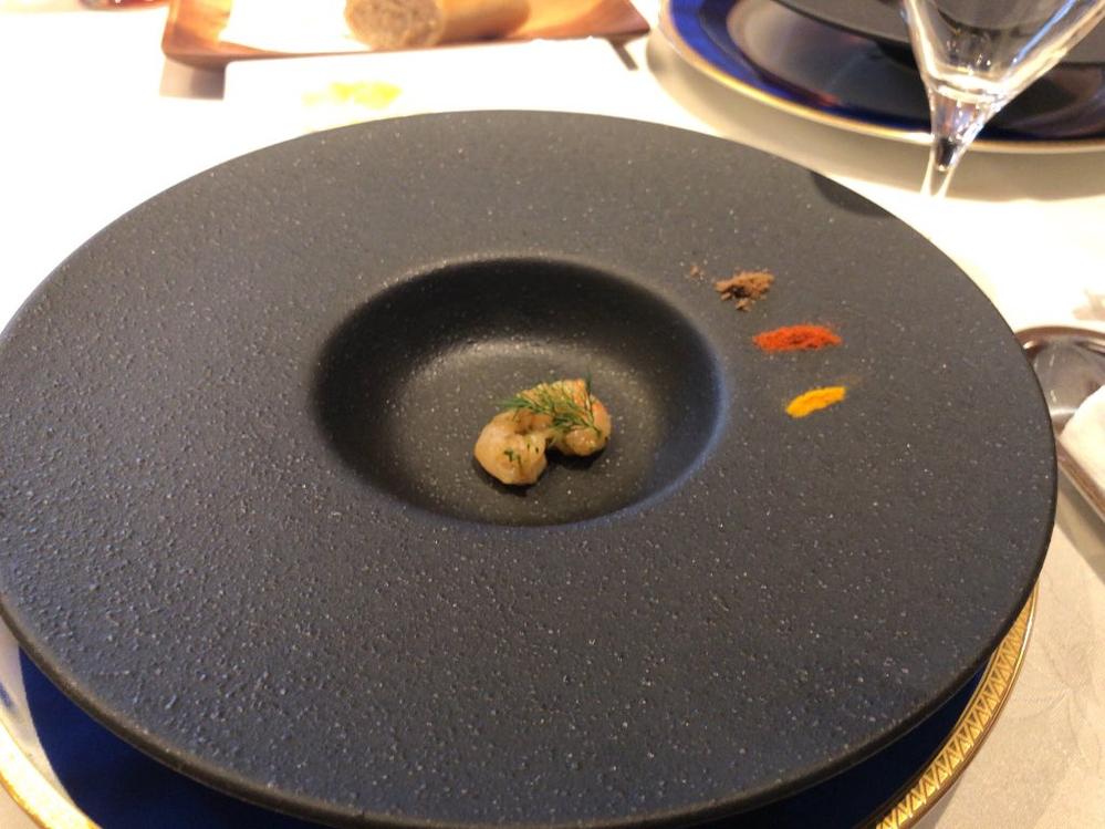 やしろあずきさんが食べていたこの料理を出すレストランが気になります。 わかる方いたら教えてください