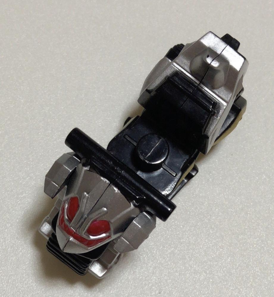 写真は仮面ライダーのバイクだと思うのですが、どの仮面ライダーの物ですか? 何卒宜しくお願い致します。