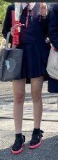 私のスカート短いですか…? 中3です