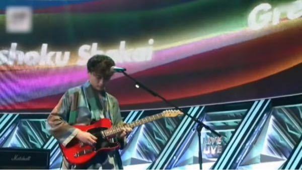 画像の緑黄色社会のいっせーまんが使ってるギターってレスポールですか?