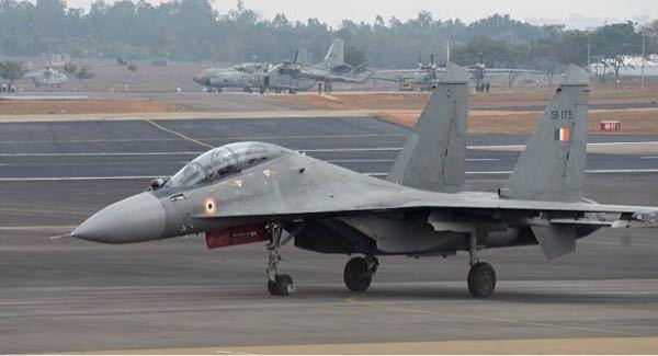 インド空軍はなぜSu-30などのロシア系戦闘機を導入しているのですか?