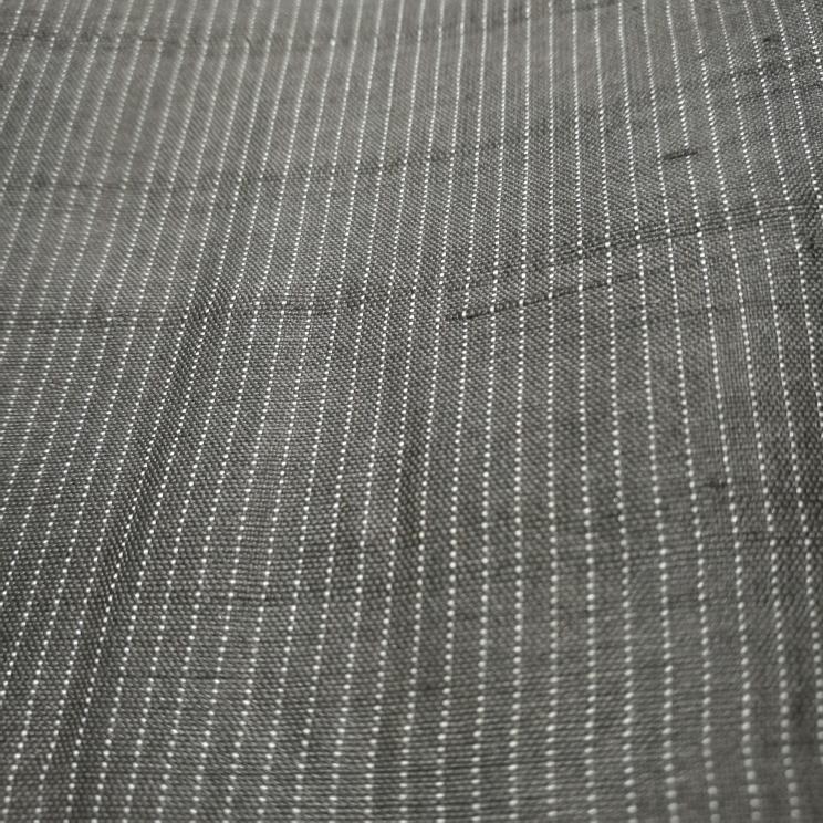 古い着物で写真のような縦の糸でストライプのような柄は名称などあるのでしょうか? 生地は木綿の着物でした。 よろしければお願いします。