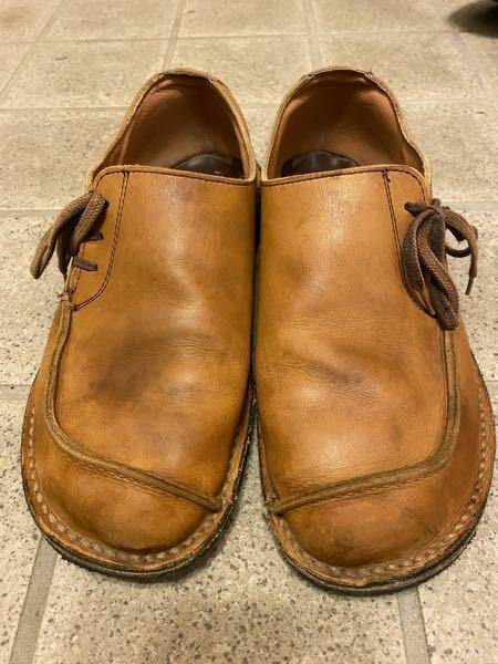 お気に入りのリーガルシューズなんですが、15年くらい前の物です。 同じようなデザインの革靴はもう無いでしょうか?