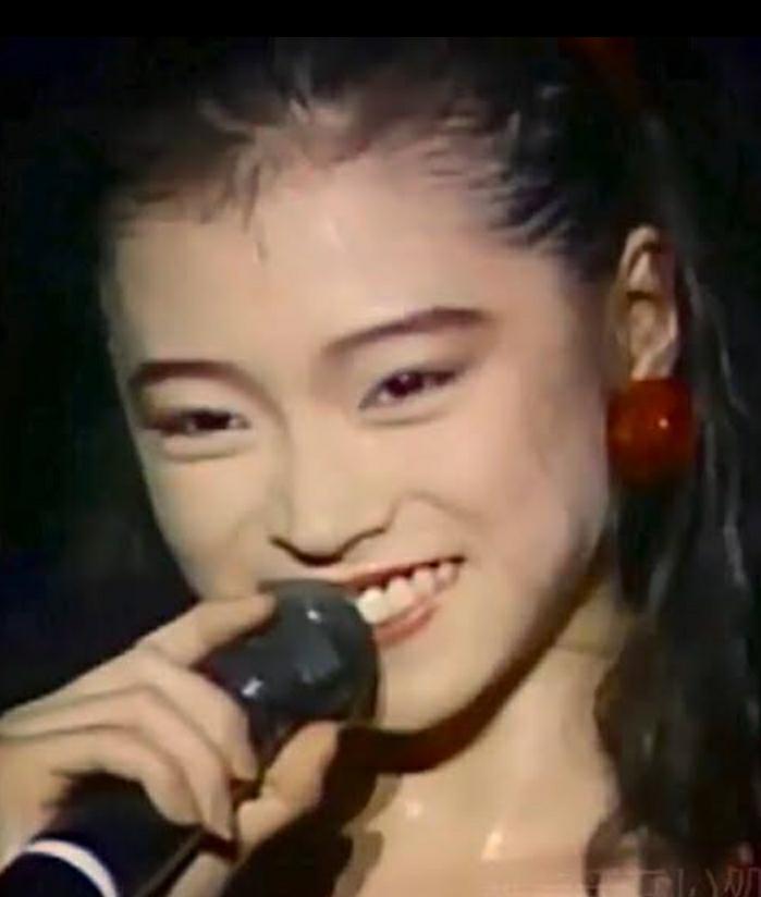 中森明菜さんの曲で今聞きたい曲はなんですか?