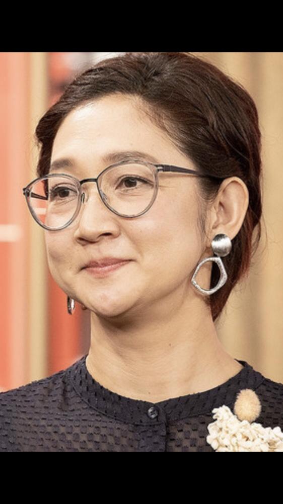 北陽 虻川美穂子さん着用のメガネについて。 ミュウミュウかな?とも思ったのですが検索しても出てこず、、、 品番、まだ買えるモデルか分かる方教えてください!