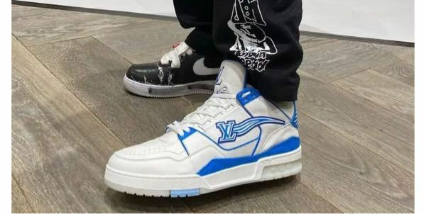 このルイヴィトンのスニーカーは なんて言う靴ですか
