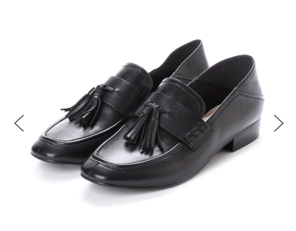 踵に芯が入っていない靴 踵に芯が入っていない靴を履いたことがある方に質問があります。 履き心地や脱ぎ履きはどんな感じですか? また、靴擦れなど起こりやすいでしょうか? 回答お待ちしています。