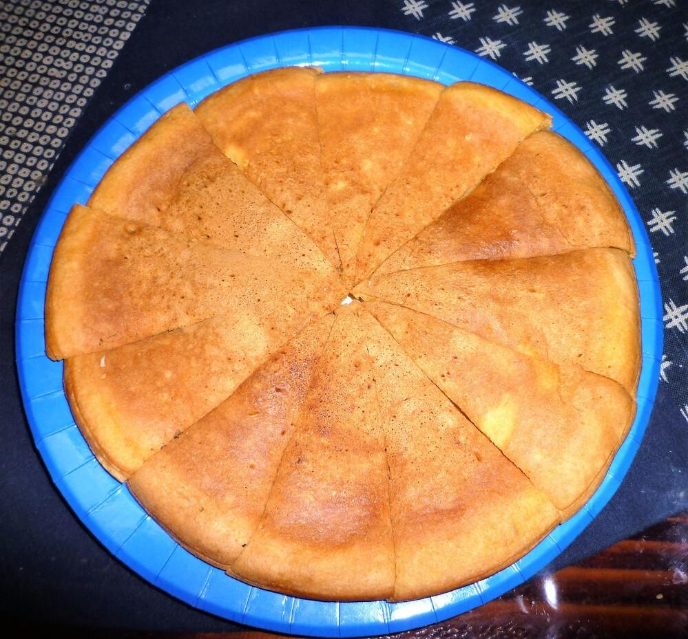 アトちゃんです 今日の おやつ 何にしますかぁーー 我が家は 母が朝から モチモチした粉と卵・炭酸・砂糖・塩で 焼き餅を作りました 1っずつラップして冷凍すれば 長期保存も出来ます ( ´艸`) 御嬢 お豆ちゃんを含め あの質問のメンバーの方 食べたいやろーー( ´艸`)