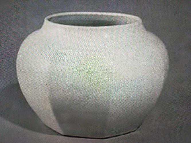 この白磁は有名なものですか?