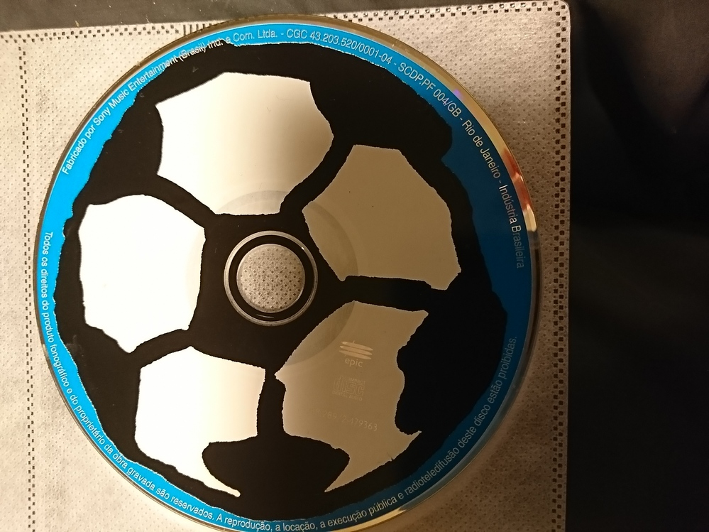 このCDは、何が入っていますか? ケースが無くてわからないのです。 わかる方よろしくお願いしすます。