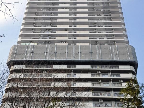 タワーマンション大規模修繕時の吊り足場の工法はもう確立されていて修繕積立金不足の問題も近い将来なくなりますか。