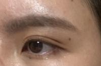 眉毛のメイクについて 写真を添付しました、お目汚し失礼致します。 この眉毛って濃いですか?髪は暗めの茶髪です。 眉メイクが苦手で、最近眉のメイク濃いんじゃないかって思っています。垢抜けた眉毛になりたいです。 現状メイクの手順としては、 眉尻から眉の中間をアイブロウペンシルで描く→スクリューブラシでぼかす→眉マスカラを眉全体に適当に塗る こんな感じです。アドバイス等あれば教えてください。
