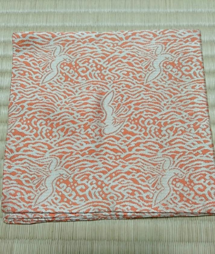 こちらの出し袱紗の柄が何と呼ばれるものなのか、ご存知できたら教えていただきたいです。