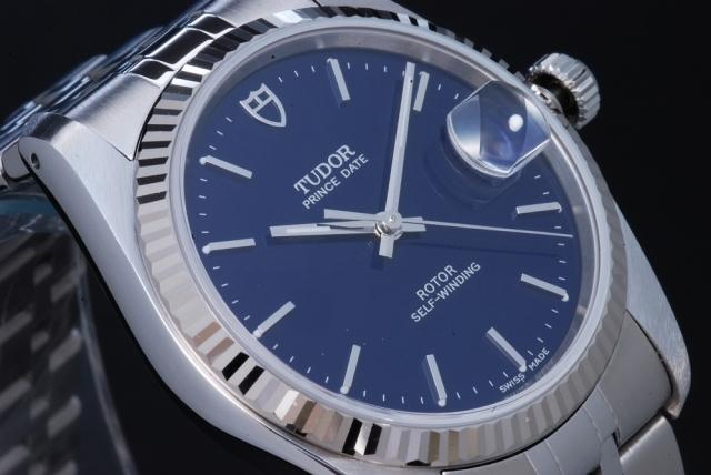 画像にあるロレックスのデイトジャストっぽいTUDOR の時計はどう思いますか(・_・?)