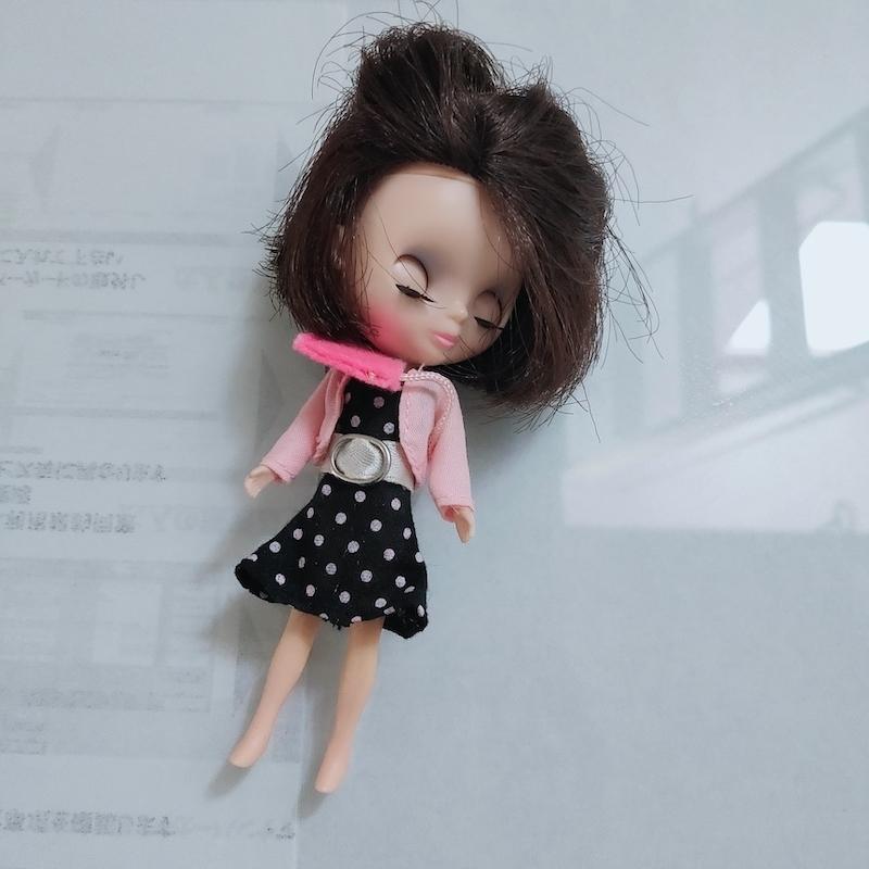 この人形のブランドは何でしょうか? 娘に昔買ったものなのですが、価値があるのかどうか知りたく 教えていただけますでしょうか