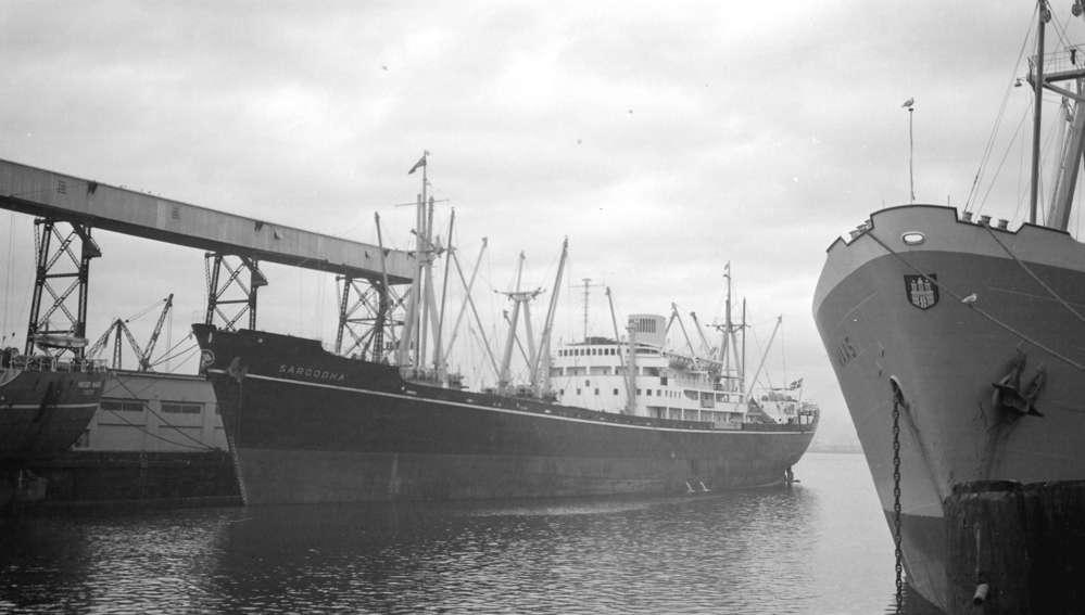 なぜ船の世界ってさまざまなトン数があるんですか? 例えば写真のサルゴダ号(丁抹)は8585総トンです