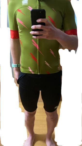 サイクルジャージ買ったんですけど、ジャストサイズ選ぶとこんなもんですかね。きつそうに見えないですかね