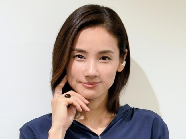 女優の吉田羊さんは大好きですか? (^。^)b