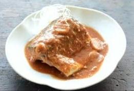 サバの味噌煮よりもご飯に合うおかずは何ですか?