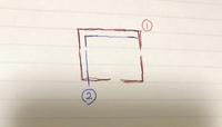 rollei35(シンガポール製)ファインダーのマーク?目盛? rollei35を譲ったいただき使い始めようと思っているところですが、ファインダーを覗くと「 と目盛のようなものがあります。  これらは①と②どちらに合わせてシャッターを切れば良いのでしょうか?