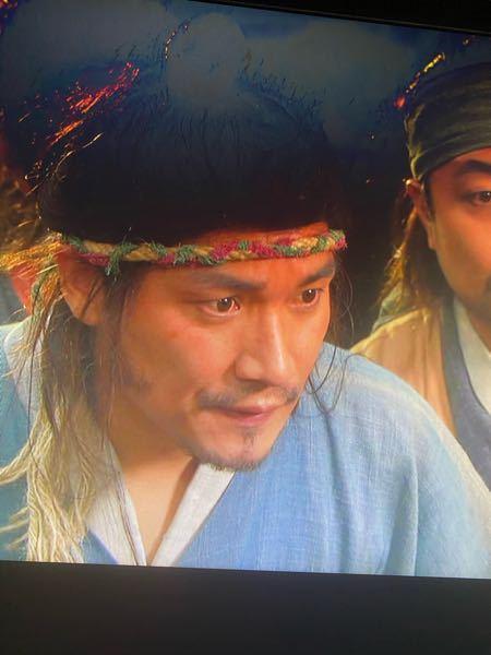 この人の名前知ってる方いらっしゃいますか? 韓国の俳優さんで、イサンや他の韓国時代劇に出演していらっしゃるはずです。 イサンでは5ドラマの最初の方でパクテスと一緒にいた悪仲間みたいな感じです。 わかる方いたら教えてください