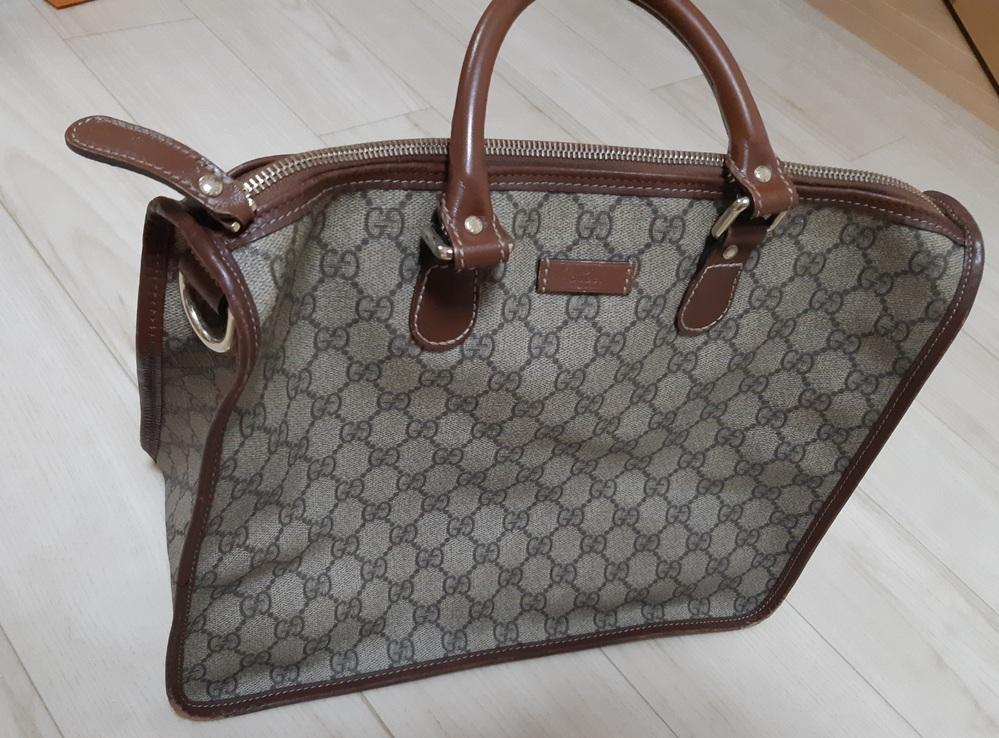 このバッグの種類、形、商品名をおしえていただきたいです。 検索してもみつけられませんでした。