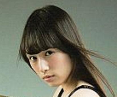 ぺーちゃんクイズPart3 画像は、櫻坂46のペーちゃん(渡辺梨加)ですが さて、なにを手に持っているでしょうか? 正解者には500枚(゜∀゜)