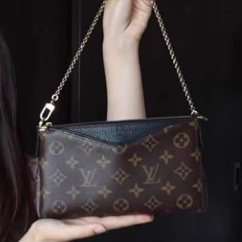 このLouis Vuittonの商品名を教えてください。 3年前ぐらいに発売された物かと思います。