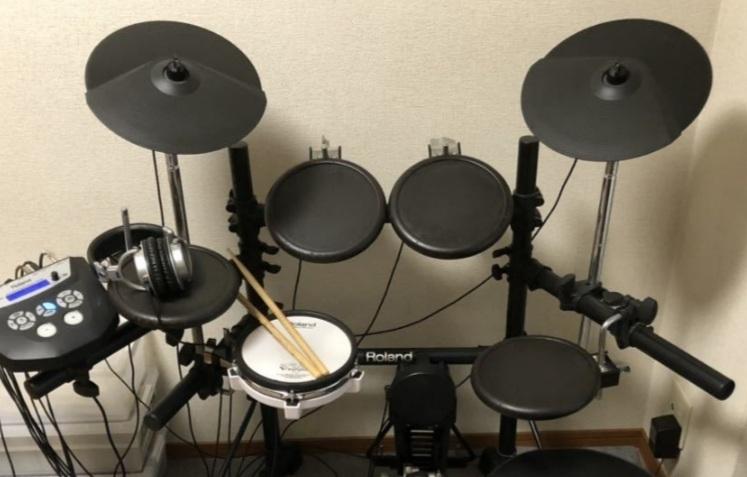 中古で電子ドラムを購入した初心者です。 どれがどの名称か教えて欲しいです! よろしくお願いします。