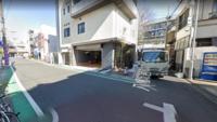 T字路の右折どうしの事故の過失割合を教えてください 画像の場所 清掃車の位置から右折 グリーンラインがある道路から右折 両方とも一時停止はありません 又 所轄警察に確認したところグリーンライン 側の道路が優先道路だと確認できています