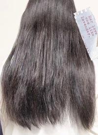 太くて毛量が多いのですが、まとまりのある髪にするにはどのようなヘアケアをしたらいいのでしょうか? やはり切った方がいいのでしょうか? 写真はドライヤー後でブラシをかけた髪です プチプラ(高くても1500円以内)で買えるものでお願いします   ちなみにですが、今やっている事として ・お風呂前にブラッシング ・お湯で頭皮を洗う ・週1〜2回のヘアマスク (今は&honey...