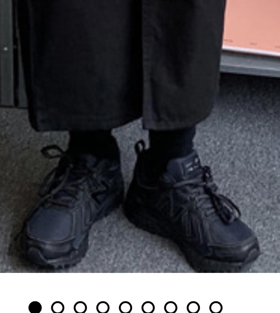 この画像の靴が気になるのですがニューバランスのどの種類なのか分かりません。 どなかたわかる方いらっしゃいますか?