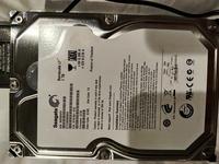 HDDを復旧させたいです。データさえ取れればよいので、1日だけでも復旧させたいです。 先日外付けHDDが壊れました。 電源入れて、パソコンにつないでも、ディスクが回る音はしますし、繋いだ後にトレンドマイクロが「デバイスが接続されました」と出してきます。  ただ、パソコン上でHDDとして認識される前に、電源が落ちます。 そのまま繋げておくと、また再起動して認識される前に電源がおちるのを繰り返し...