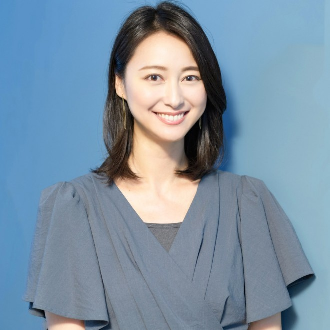 小川彩佳ちゃんですが、どうやら離婚になるそうで つまりは彼女も杏ちゃんや大塚愛ちゃんと同じ様な傷を負ったという言い方になってしまうんでしょうか? 引き金が旦那の不倫って