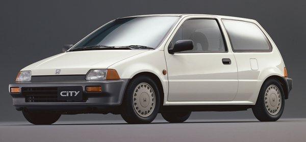 ホンダCITYは1981年11月11日に発売された初代は売れましたが、1986年10月31日に発売された二代目(画像)は売れなくなって自滅したのですか?