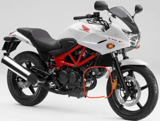 バイクを探してます スポーツツアラータイプで VTRのようにタイヤの後ろがスッキリしたかっこいいバイクはどんなのがありますか?