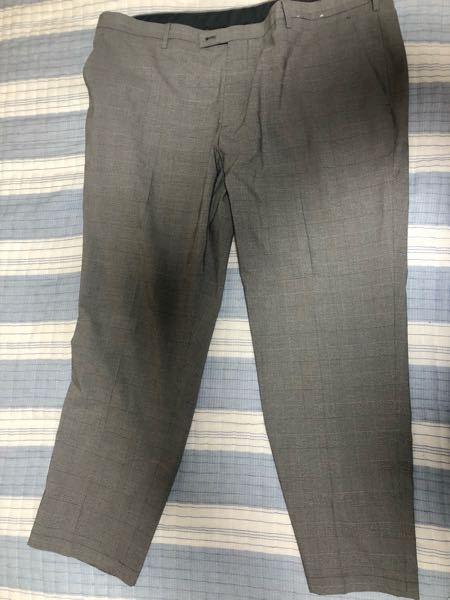 このズボンに合うtシャツなどは何色が良いですか?また、柄などはどんなものがいいですか?教えて欲しいです