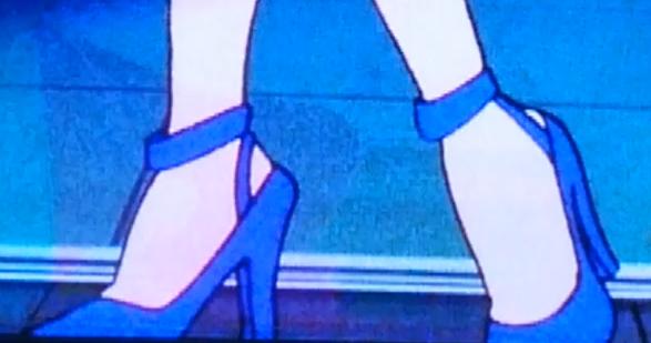 女性用の靴で質問ですが 下の画像の靴の 全く同じ靴は何と言うんですか?