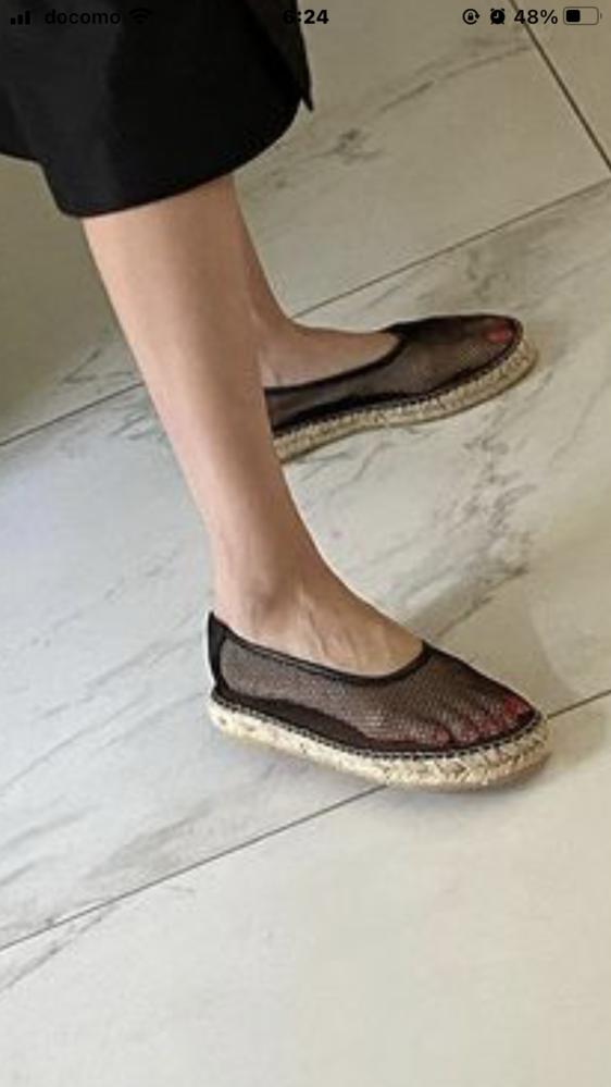 写真の靴を探しています。どこの商品か分かる方いらっしゃいませんか?