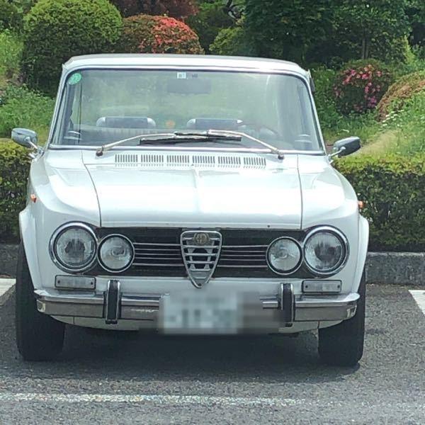この車は何ですか。メーカーわかりますか?