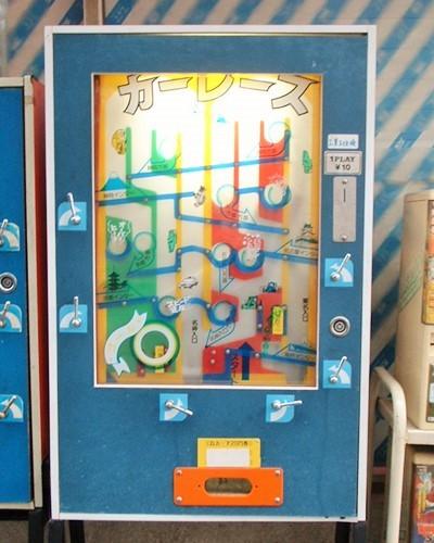 昭和の駄菓子屋によく置いてあった簡易ゲームは パチンコを模したものが多かったのでしょうか?