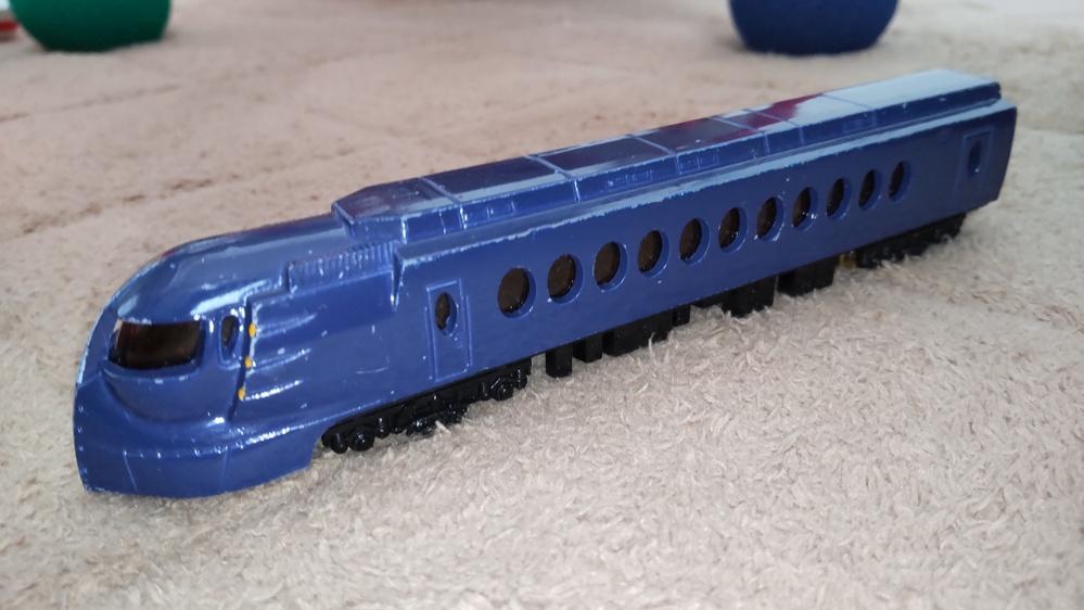 この電車は何という名前の電車ですか? 分かる方お願いします。